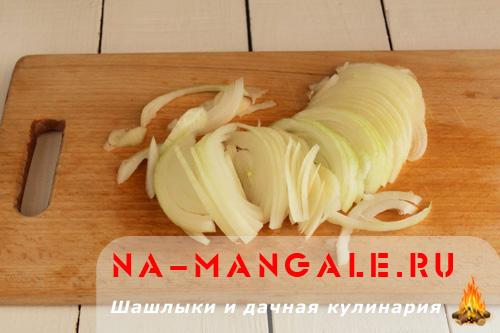 marinovanniy-luk-k-shashliku-1