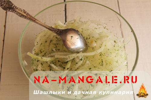 Как лук мариновать в уксусе для шашлыка с фото пошагово