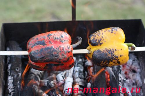 Печеные сладкие перцы на шампуре