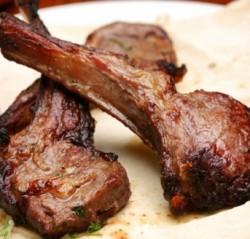 мясо на ребрах
