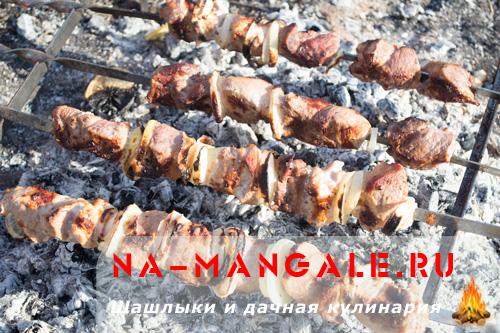 shashlyk-iz-svinini-v-mineralke-11