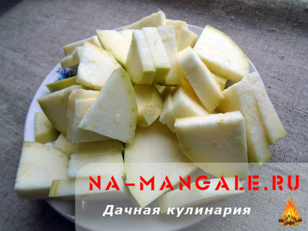 kabachki-s-lukom-01