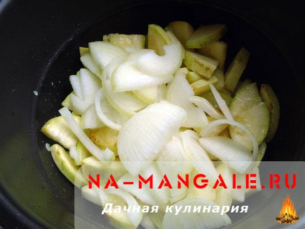 kabachki-s-lukom-05
