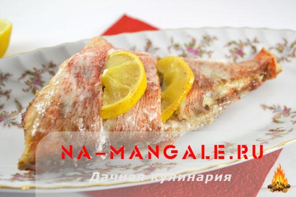морской окунь в сметанном соусе в духовке