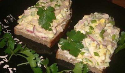 salat-iz-rybnyh-konserv-04