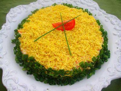 salat-iz-rybnyh-konserv-06