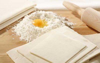 как приготовить начинку из творога для пирожков из слоеного теста