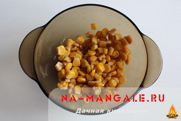 салат из пекинской капусты с кукурузой рецепт
