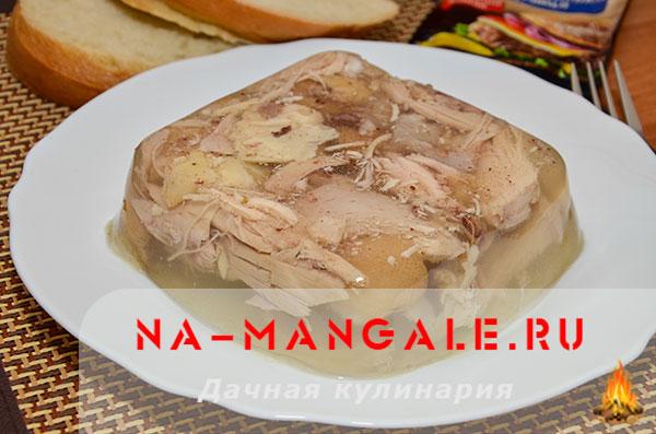 как сварить вкусный холодец из свиных ножек и курицы