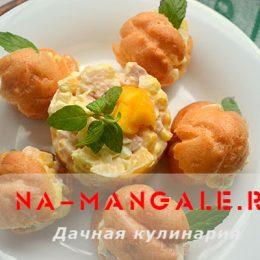 Вкусный салат с манго