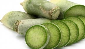 Миниатюра к статье Обзор химического состава: какова калорийность зеленой редьки на 100 грамм и другие показатели?