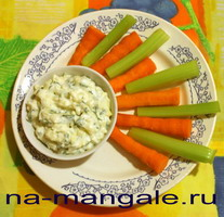Чесночный соус с морковью и сельдереем