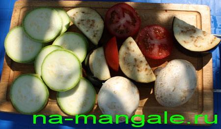 Шампиньоны и овощи