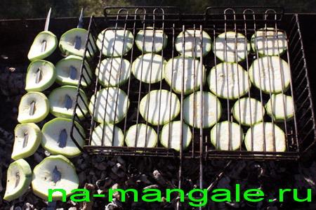 Кабачки на решетке-гриль