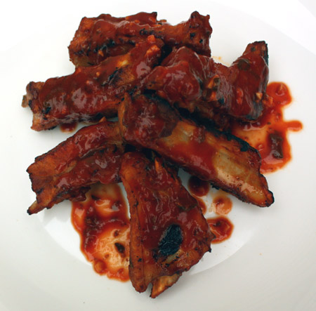 Свиные рёбрышки в остром томатном соусе