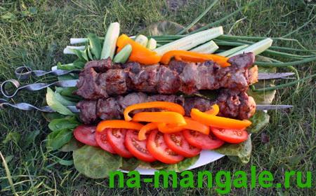Шашлык из баранины с овощами