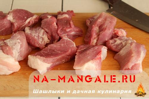 shashlyk-iz-svinoj-shei-03
