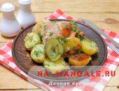 Миниатюра к статье Курица с картошкой, запеченная в мультиварке: лучшие рецепты