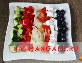 Миниатюра к статье Греческий салат: рецепт классический, с курицей, пекинской капустой