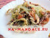 Миниатюра к статье Два рецепта на выбор: фунчоза с кальмарами — второе блюдо и салат