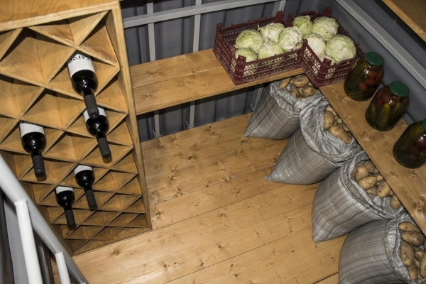 Как хранить картофель зимой: при какой температуре в погребе, подвале и на балконе в домашних условиях