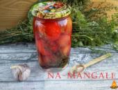 Миниатюра к статье Необычные рецепты для заготовок: маринованные помидоры со сливами на зиму