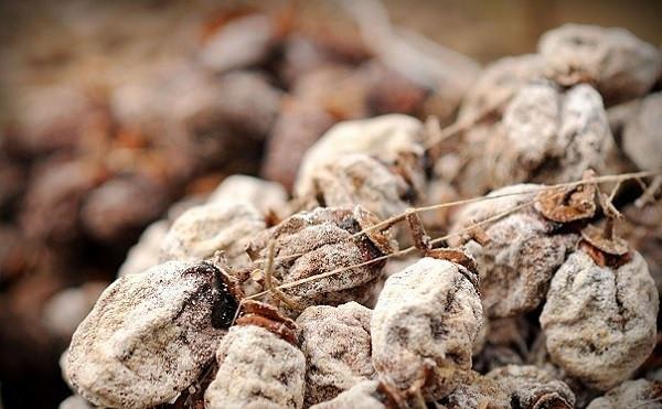 Что такое сушеная хурма, как ее приготовить, в чем польза и вред для организма?