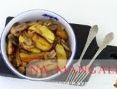 Миниатюра к статье Как вкусно и правильно пожарить картошку с шампиньонами на сковороде