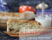 Миниатюра к статье Рецепт с пошаговыми фото приготовления лукового пирога с плавленым сыром и яйцами в духовке