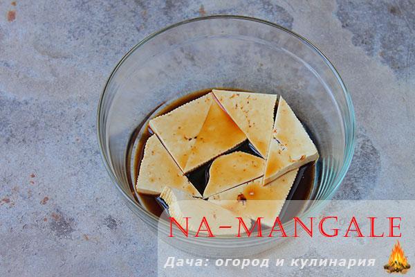 Рецепт Жареный сыр тофу с кунжутом. Калорийность, химический состав и пищевая ценность.