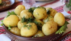 Миниатюра к статье Каков гликемический индекс картофеля? Можно ли есть овощ при диабете 1 и 2 типа?